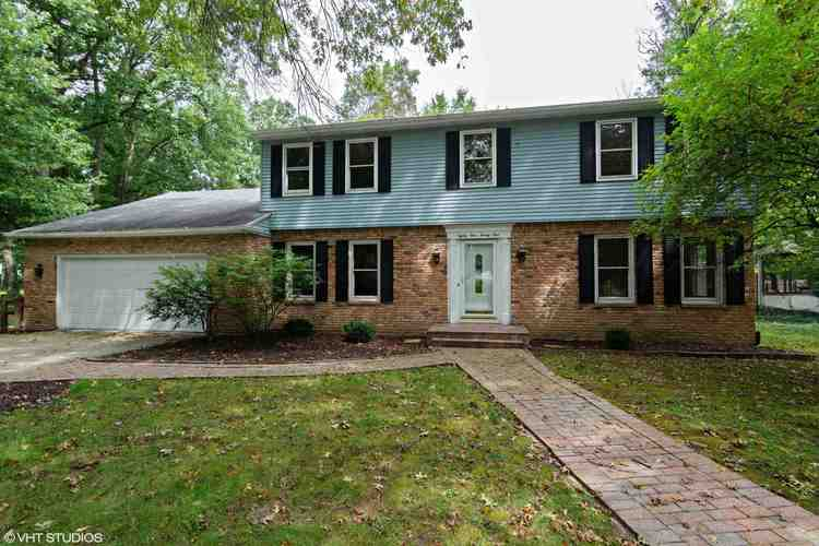 8121  Roanoke Drive Fort Wayne, IN 46835 | MLS 201841581