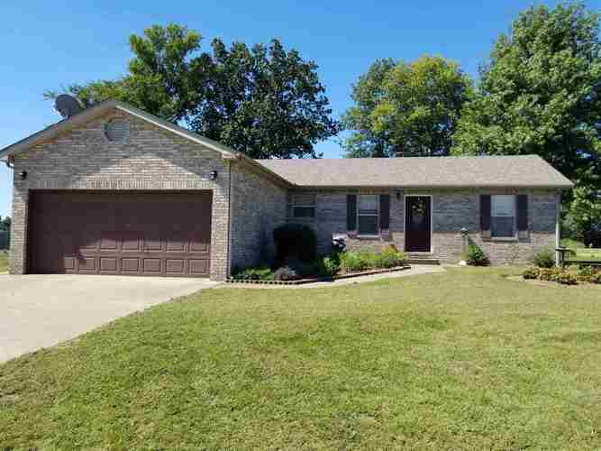 8000  Grande Way Court Terre Haute, IN 47805-9666 | MLS 201841705