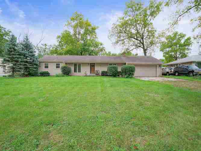 4834  Forest Avenue Fort Wayne, IN 46815 | MLS 201841745