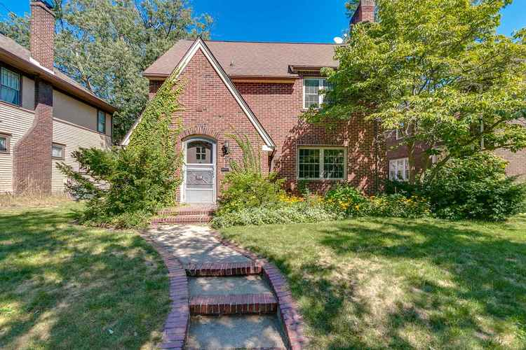 1218 Woodward Avenue South Bend IN 46616 | MLS 201841927 | photo 1