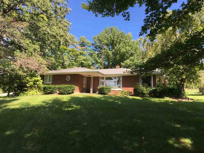 2800  Meadowbrook Drive New Castle, IN 47362-1104 | MLS 201842738