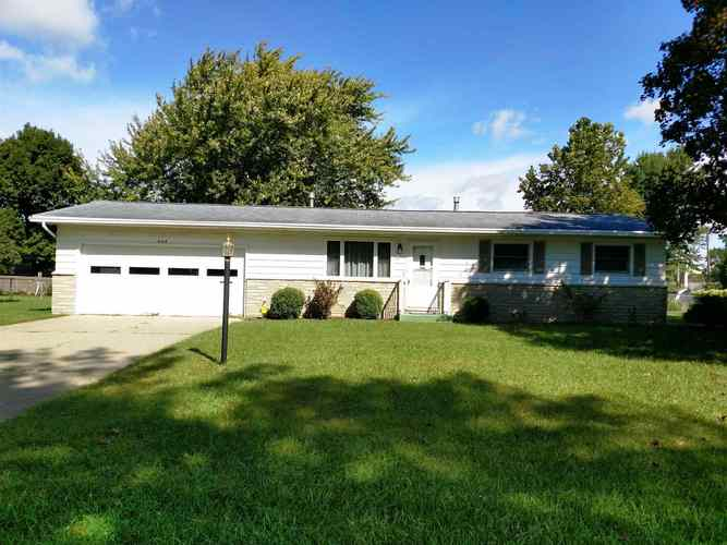 408 E Maple Grove  Syracuse, IN 46567 | MLS 201843606