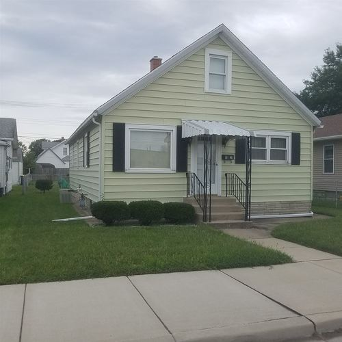 1020 W 8th Street W Mishawaka, IN 46544-4843 | MLS 201844772 | photo 1