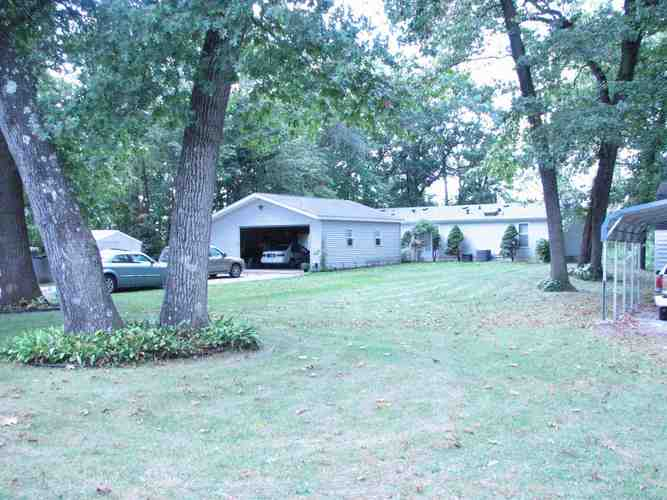 8095 N Edgewater Drive Walkerton, IN 46574 | MLS 201844786