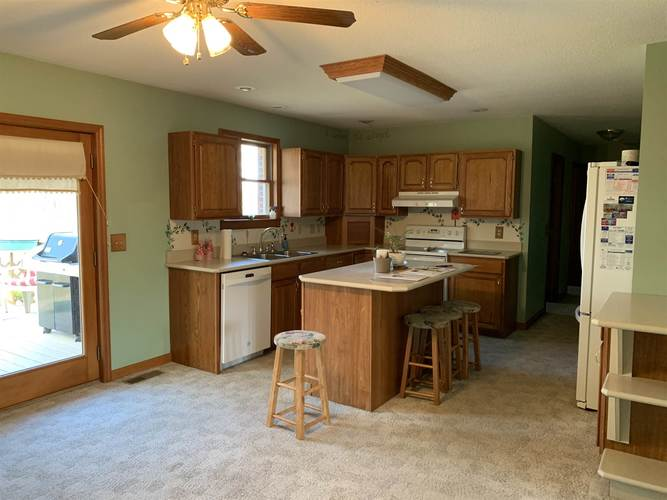 10447 E State Rd 56 Highway E Otwell, IN 47564 | MLS 201846088 | photo 3