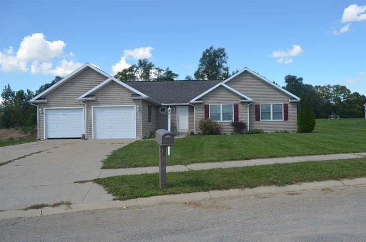 4258 E Duffy Drive Syracuse, IN 46567 | MLS 201846499