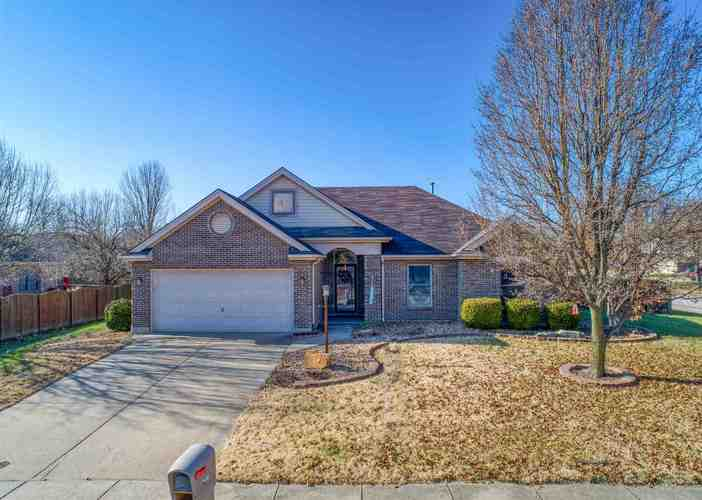 7130  Greenlake Drive Evansville, IN 47711 | MLS 201846738