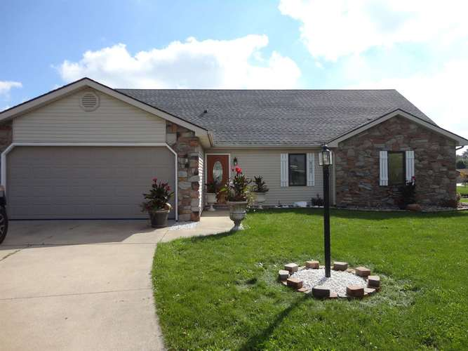 8302  Harbor Pines Place Fort Wayne, IN 46825 | MLS 201847091