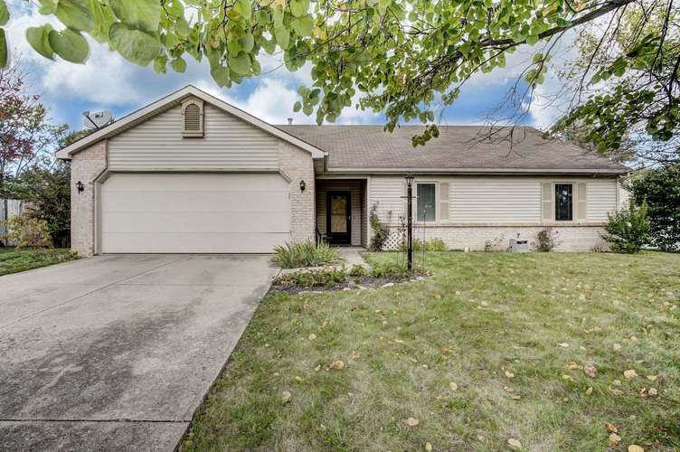 2722  Mounded Court Fort Wayne, IN 46815 | MLS 201847225