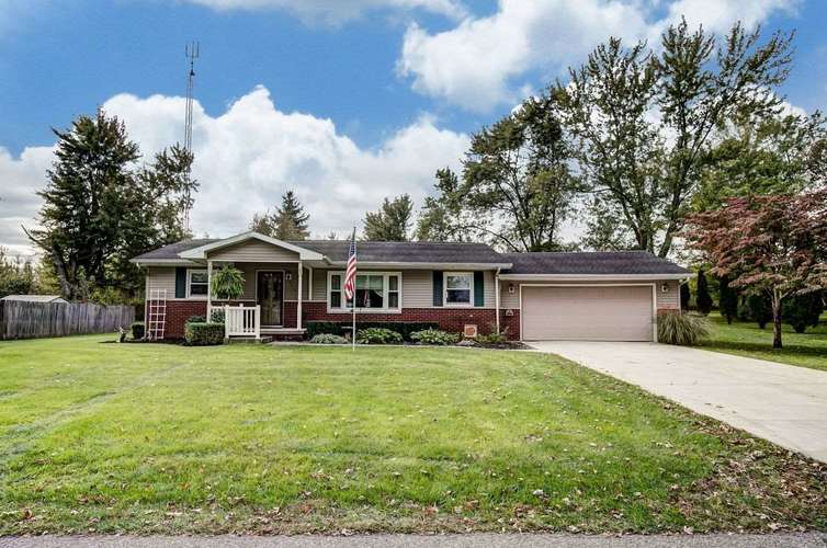 607 W Neher Road Silver Lake, IN 46982-9579 | MLS 201847524