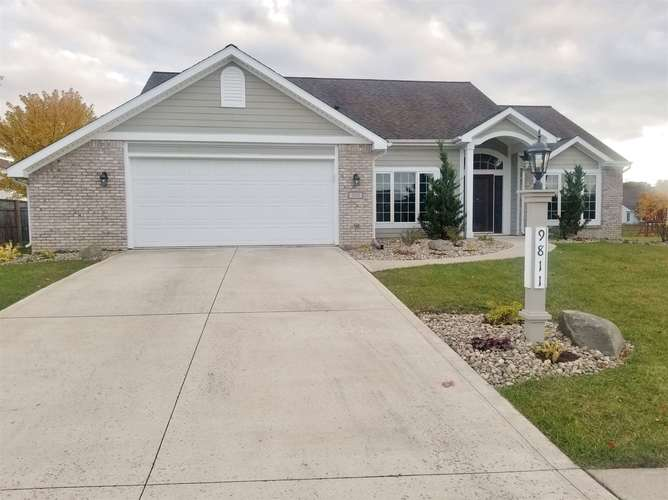 9811  Abbington Trail Fort Wayne, IN 46818 | MLS 201848543