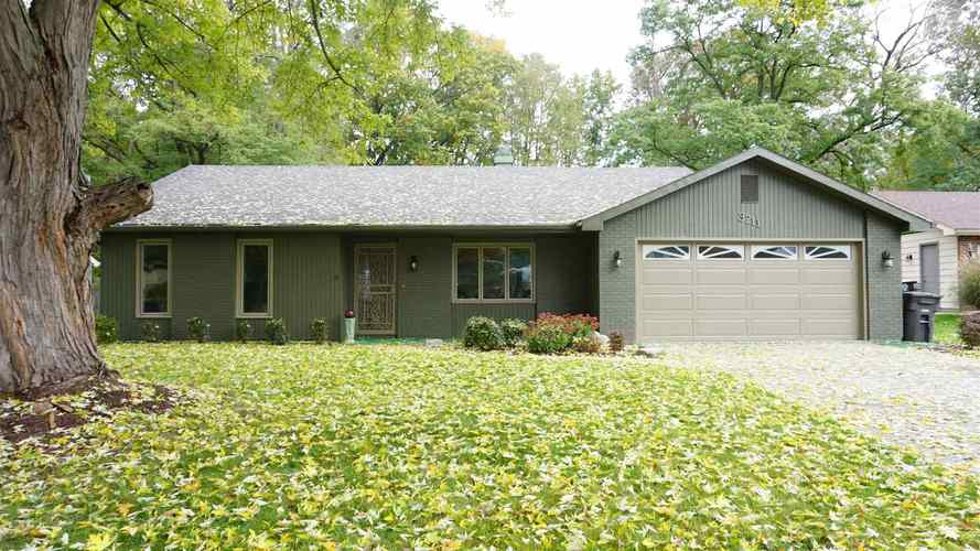 3211  Stepping Stone Lane Fort Wayne, IN 46835 | MLS 201848587