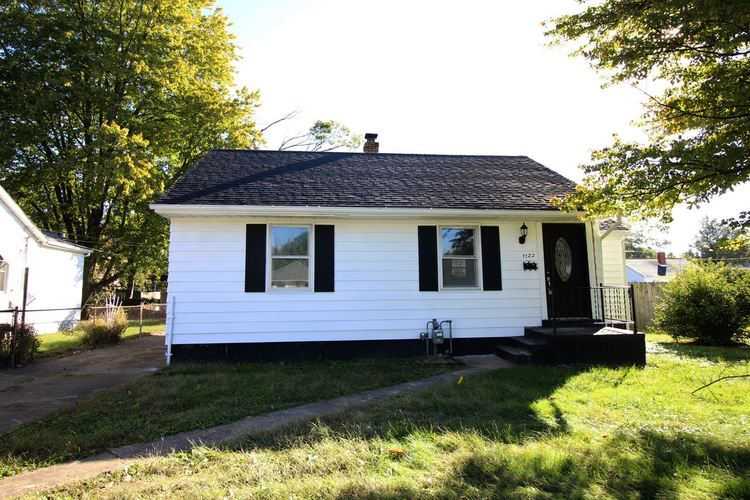 1122 S Boeke Road Evansville, IN 47714 | MLS 201849094