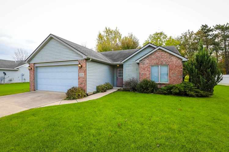 108 W Whispering Lane South Whitley, IN 46787 | MLS 201849229