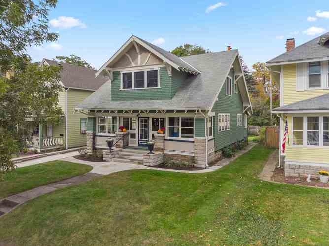 917  Edgewater Avenue Fort Wayne, IN 46805 | MLS 201849248