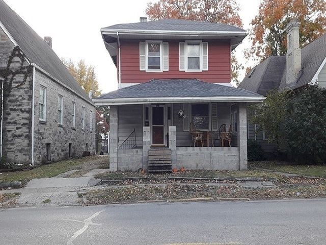 821  Hart Street Vincennes, IN 47591   MLS 201849490