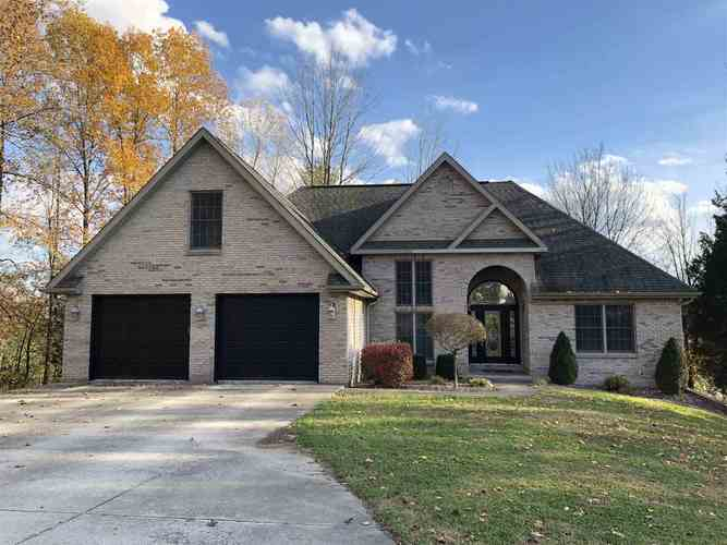 132 STONEWAY DR Bedford, IN 47421 | MLS 201849680 | photo 1