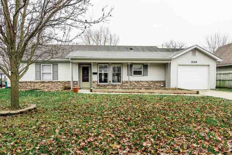 1208 W Central Avenue Bluffton, IN 46714 | MLS 201849817
