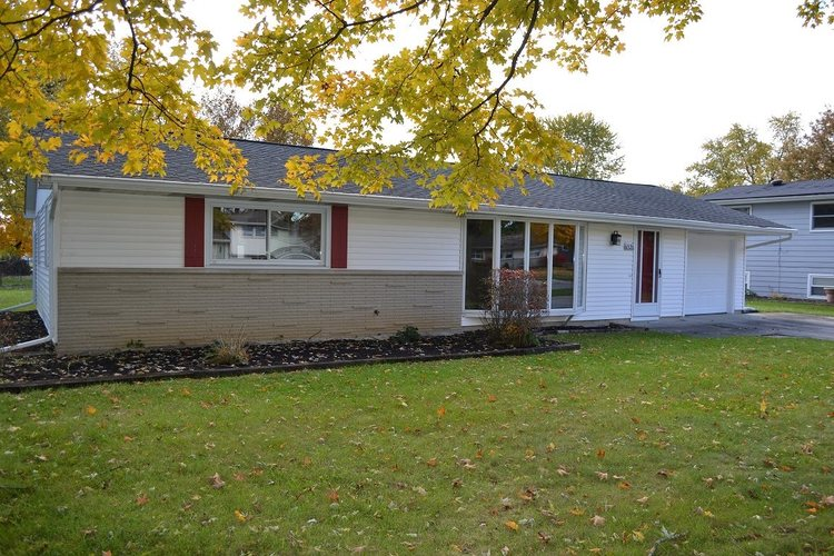 6526  Sunland Drive Fort Wayne, IN 46815 | MLS 201850001