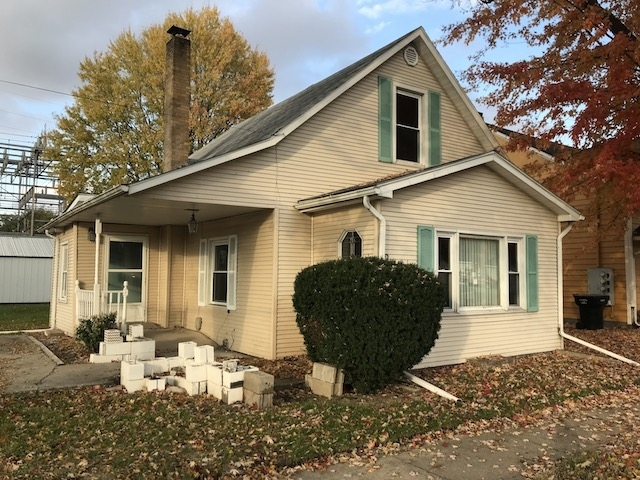 207 E Center Street North Liberty, IN 46554 | MLS 201850158
