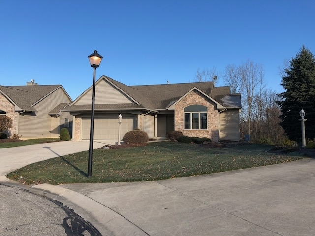 108  Cobblers Cove Fort Wayne, IN 46825 | MLS 201850477