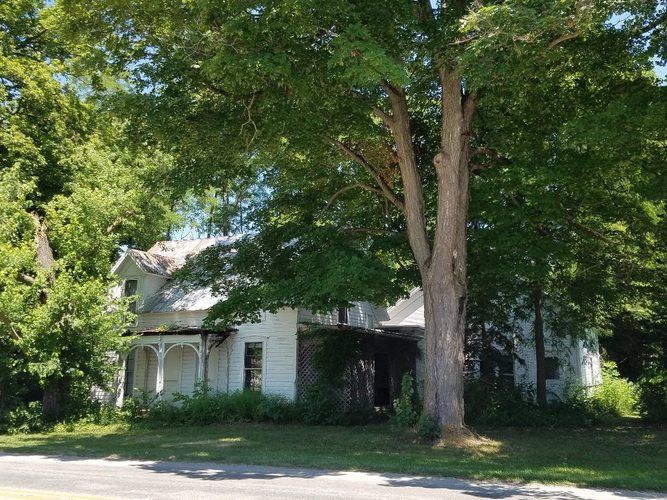2934 E Armstrong Road Leesburg, IN 46538-8825 | MLS 201850581