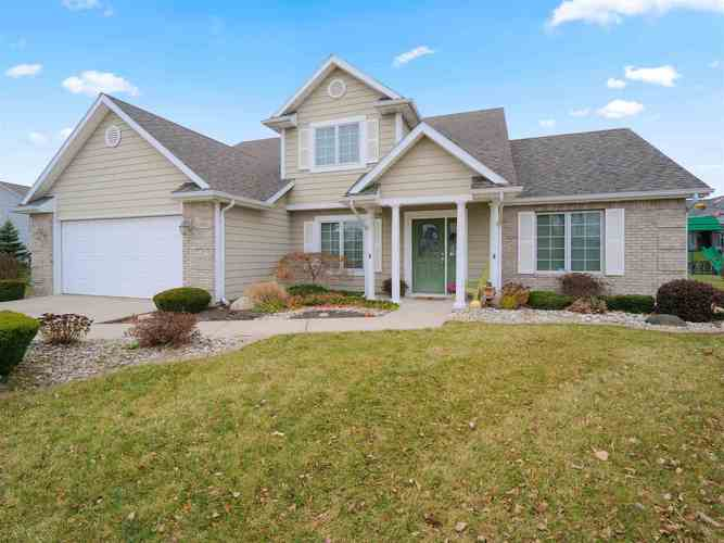 5225  Sorrento Boulevard Fort Wayne, IN 46845 | MLS 201850714