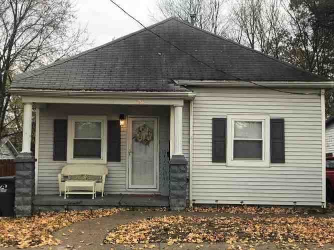 706 E Oak Street Boonville, IN 47601 | MLS 201851342