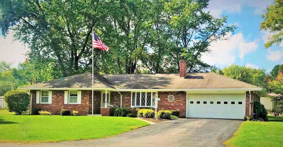 1120  Bluewater Drive Monticello, IN 47960 | MLS 201851787