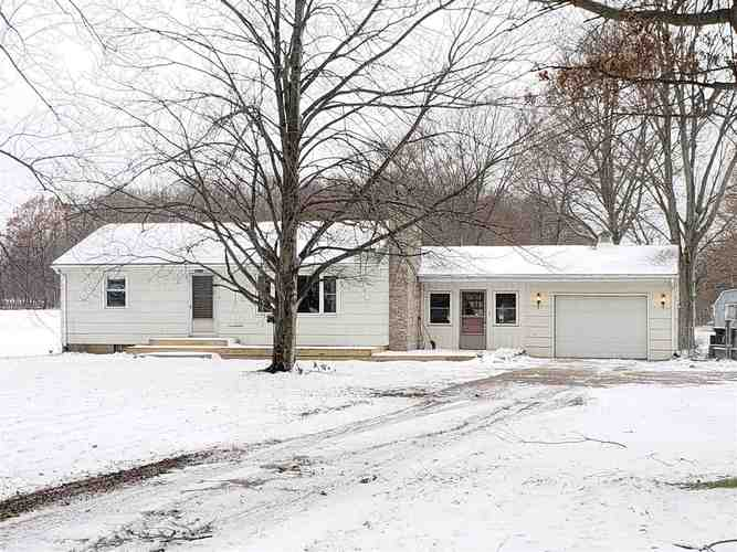 65575  Miami Road Bremen, IN 46506-8948 | MLS 201851930