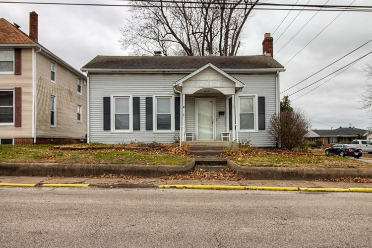 124 N First St  Boonville, IN 47601 | MLS 201851974