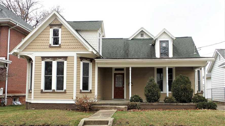 705 E Walnut Street Washington, IN 47501 | MLS 201853064
