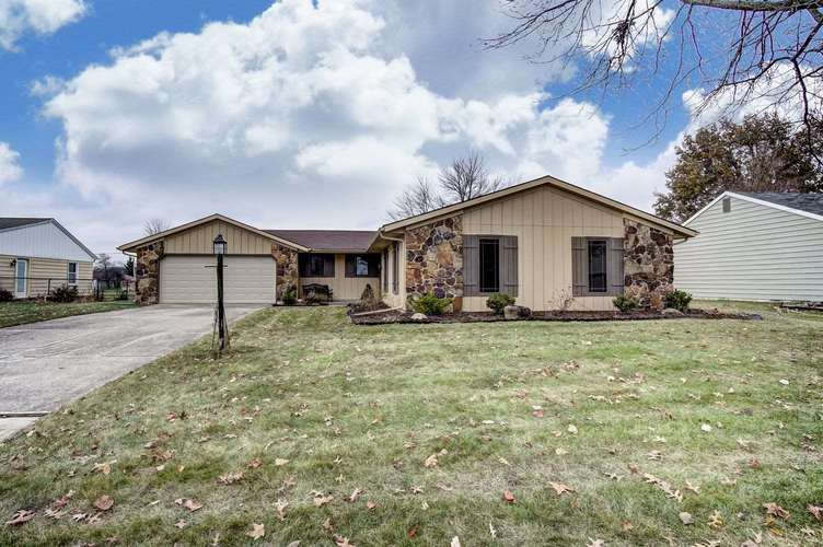 3135  Birchpark Drive New Haven, IN 46774 | MLS 201853148