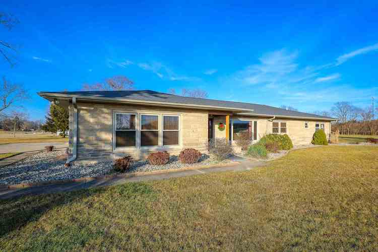 10966  South Bouse Drive Silver Lake, IN 46982 | MLS 201900033