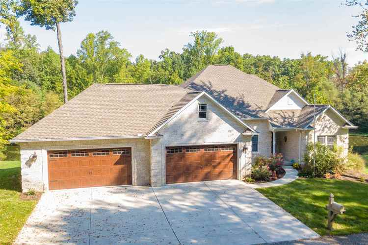 1326 E BROWNING Court E Martinsville, IN 46151 | MLS 201900145 | photo 1