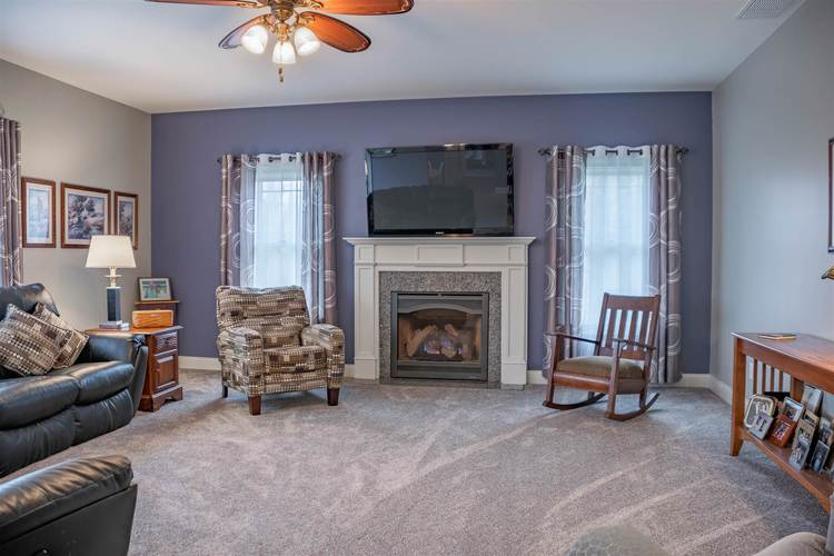 1326 E BROWNING Court E Martinsville, IN 46151 | MLS 201900145 | photo 4