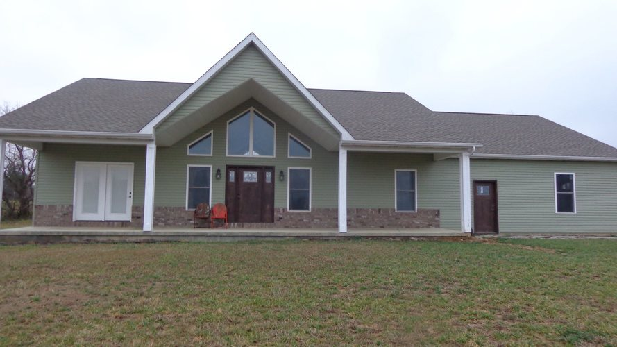 2655 S Rockport Road Boonville, IN 47601 | MLS 201900178