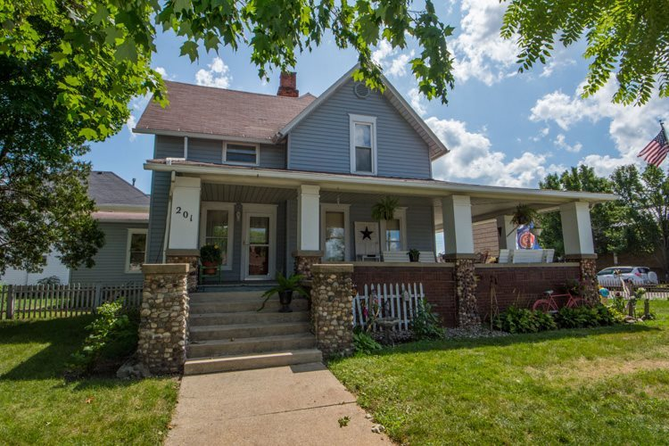201 N Main Street Nappanee, IN 46550-1619 | MLS 201900445