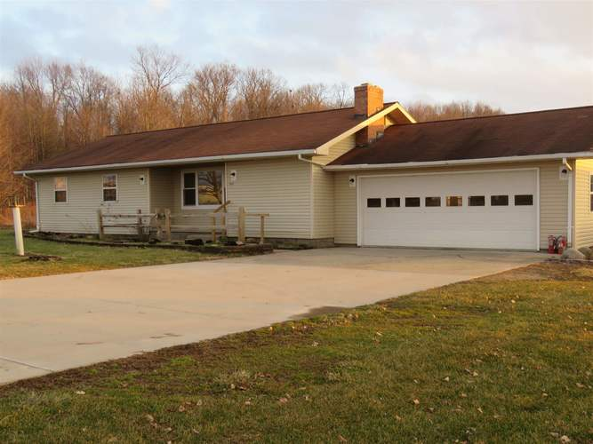 346 E Airport Rd Road Kendallville, IN 46755 | MLS 201901072