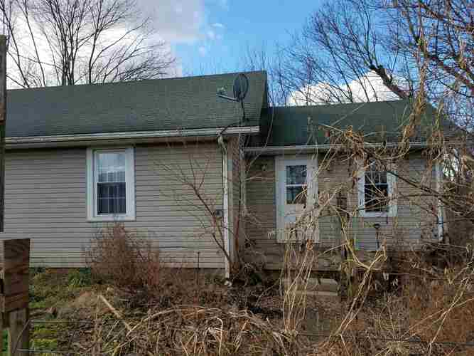 13601  Olive Branch Road Hagerstown, IN 47346-8900 | MLS 201901364
