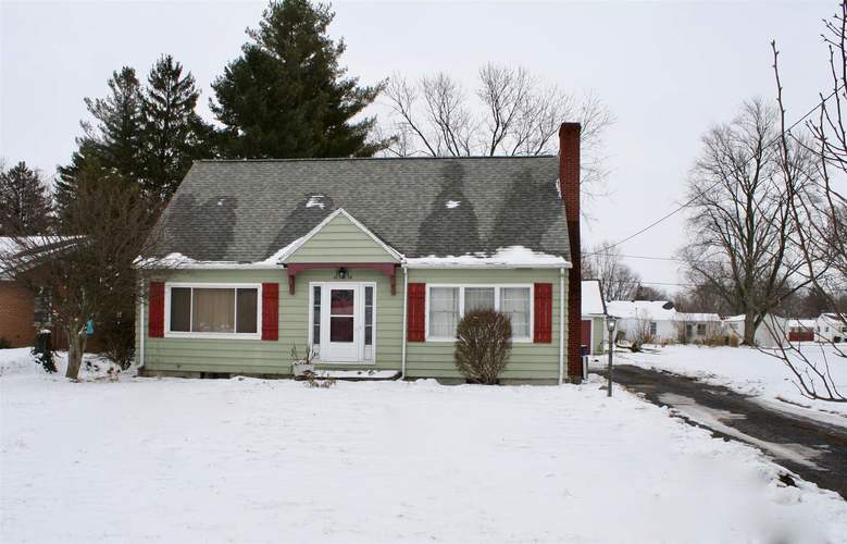 806 N Jefferson Street Ossian, IN 46777 | MLS 201902004