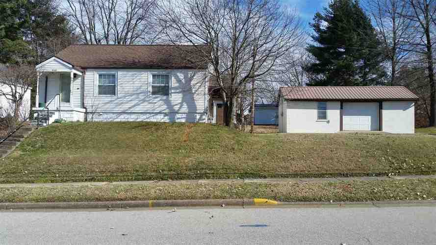 1013  Jackson Street Huntingburg, IN 47542 | MLS 201902406