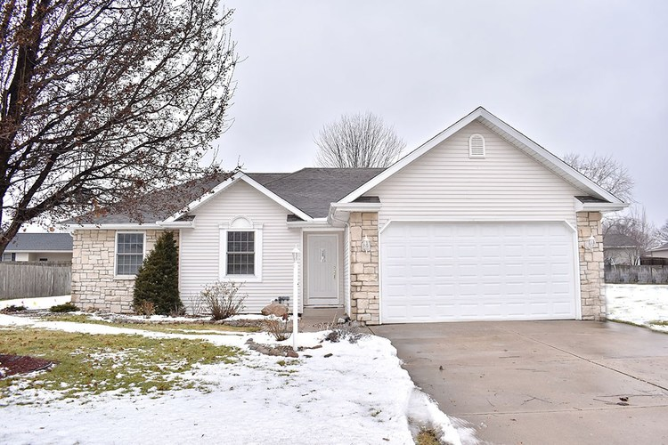 615  Heritage Drive Middlebury, IN 46540-9268 | MLS 201902715