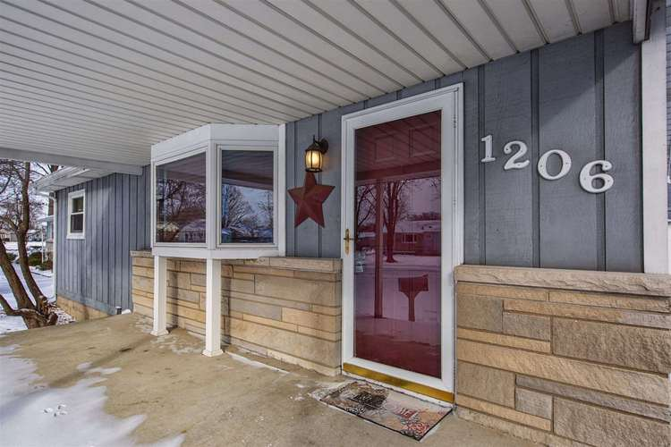 1206 Congress Avenue South Bend, IN 46615-3512 | MLS 201903435 | photo 1