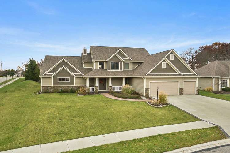 3018  Caradoza Cove Fort Wayne, IN 46825 | MLS 201903589