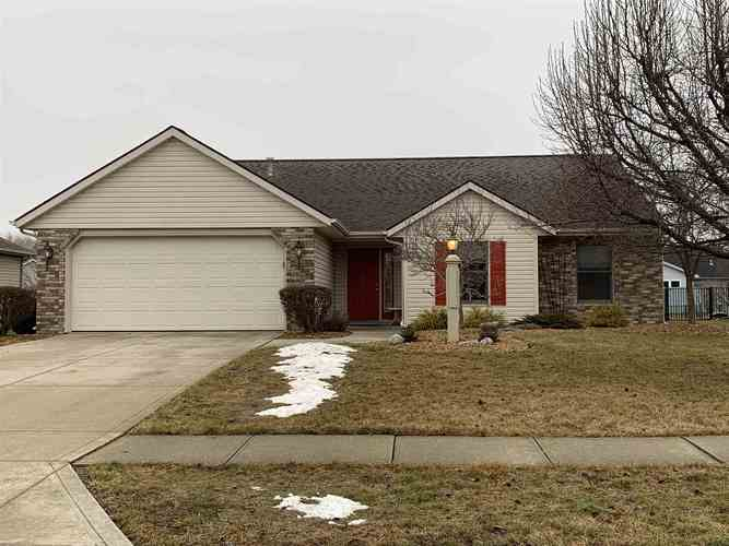 12403  Falcatta Drive Fort Wayne, IN 46845-9572 | MLS 201903964