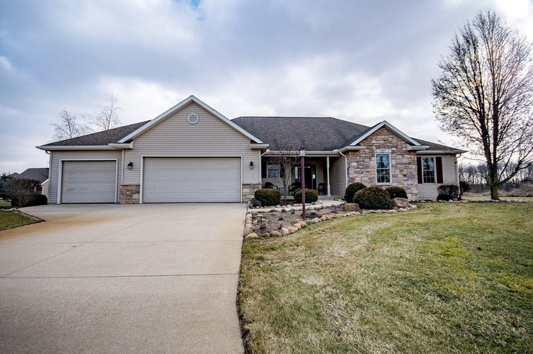 14680  FARM HOUSE Drive Middlebury, IN 46540 | MLS 201904266