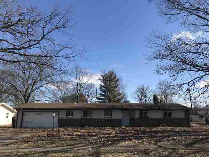 5706  Northcrest Drive Fort Wayne, IN 46825-5433 | MLS 201904574