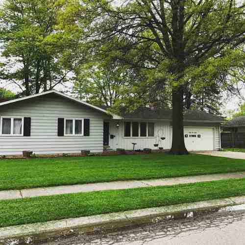 2315  Lima Lane Fort Wayne, IN 46818-2121 | MLS 201904821