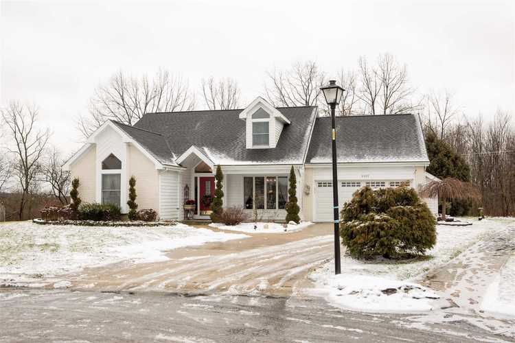 8102  Deer Brook Place Fort Wayne, IN 46825-6418 | MLS 201904832